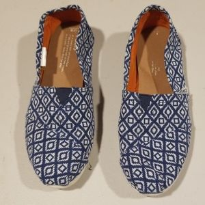 TOMS Womens Shoes 6